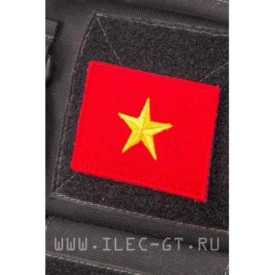 Нашивка на липучке, флаг Вьетнама 5,2х7,2 см.