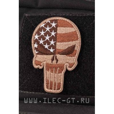 Нашивка каратель на флаге США